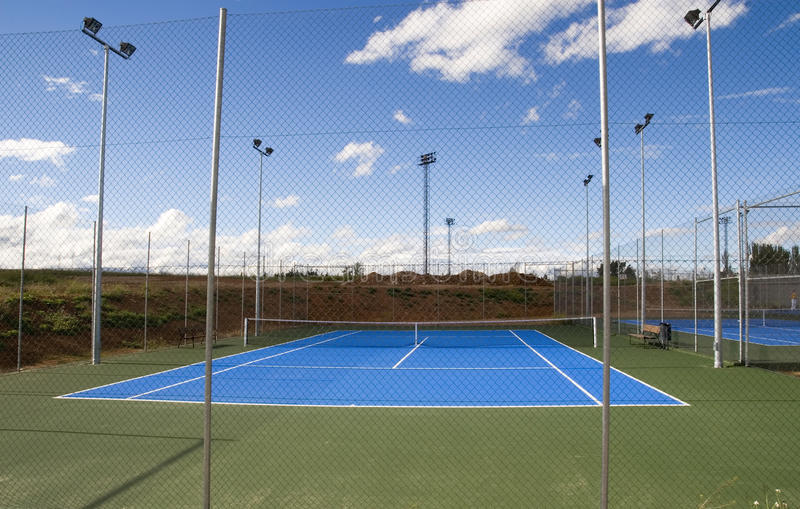 Court de tennis Floodlit images stock