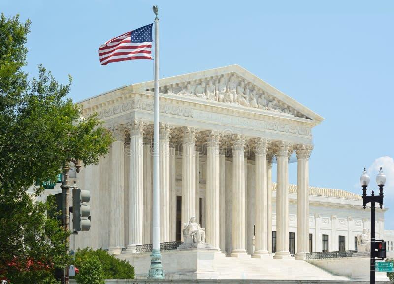 Court suprême des Etats-Unis avec le drapeau photo libre de droits