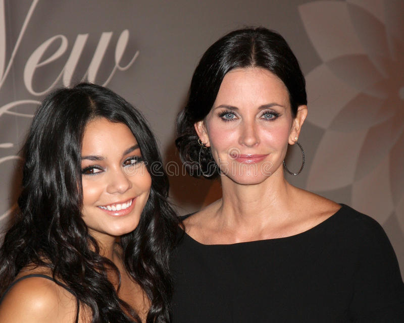 Courteney Cox, Vanessa Hudgens stock afbeelding