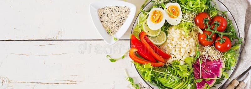 Couscous, jajko i warzywo puchar, Zdrowy, dieta, jarski karmowy pojęcie zdjęcia royalty free