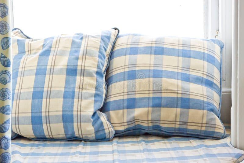 Download Coussins image stock. Image du haut, paire, siège, bleu - 45354353