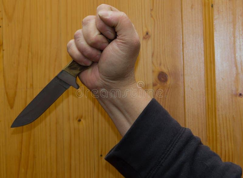 Couteau, arme poignardante, violence, xénophobie, crainte, poussée, à s images libres de droits