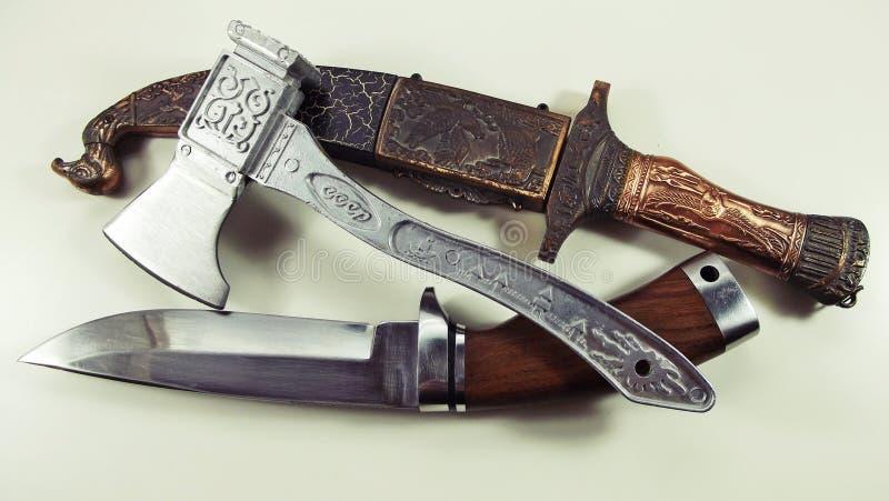 Couteau et cognée photographie stock libre de droits