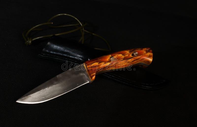 Couteau fait main d'acier de damassé images libres de droits