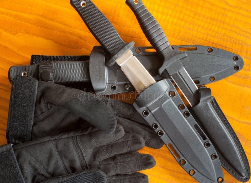 Couteaux et gaine militaires photo libre de droits