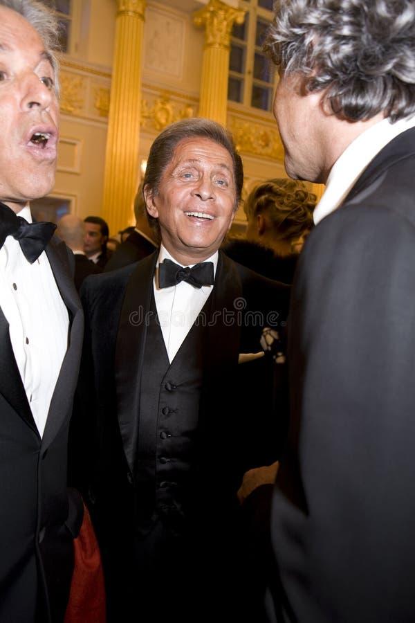 Couturier Valentino bij Bal van de Liefde stock foto