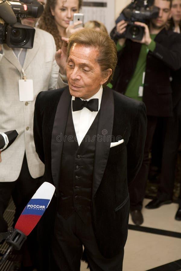 Couturier Valentino bij de Bal van de Liefde, stock fotografie