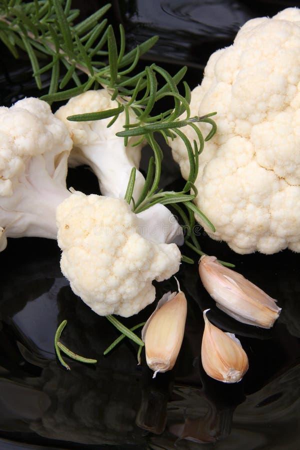 Couve-flor e carlic fotografia de stock royalty free