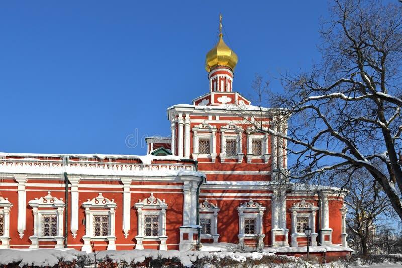 Couvent de Novodevichy également connu sous le nom de Bogoroditse Smolensky Monastery à Moscou Cathédrale d'hypothèse 1685 – 1687 photographie stock