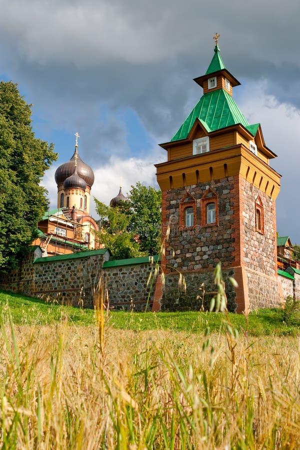 Couvent de Puhtitsa. l'Estonie images libres de droits