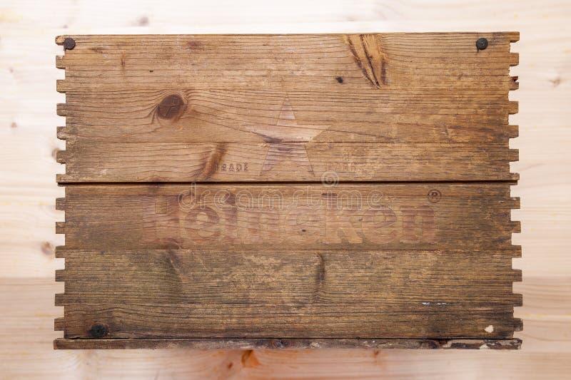Couvercle d'une boîte en bois de bière de Heineken photos libres de droits