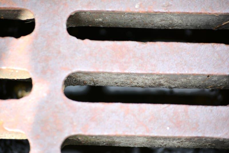 Couverture de caniveau photos stock