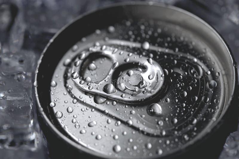 Couverture en aluminium de couvercle de boîte de soude de boisson non alcoolisée et de glace images libres de droits