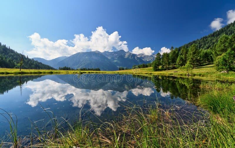 Covelmeer - Trentino, Italië stock afbeeldingen