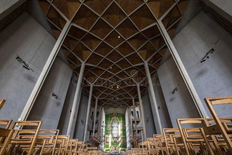 Coventry domkyrka i UK royaltyfria foton