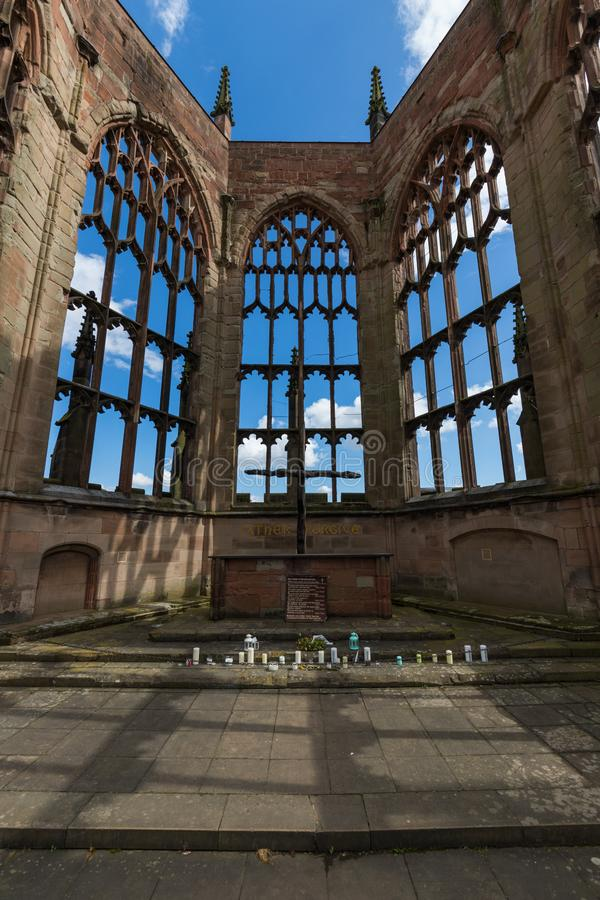 Coventry-Kathedralen-Kirchen-Ruinen in Coventry Großbritannien lizenzfreie stockfotografie
