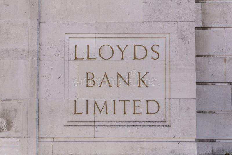 Coventry, Warwickshire, Großbritannien am 27. Juni 2019 ein altes lloyds Bankzeichen stockfotografie