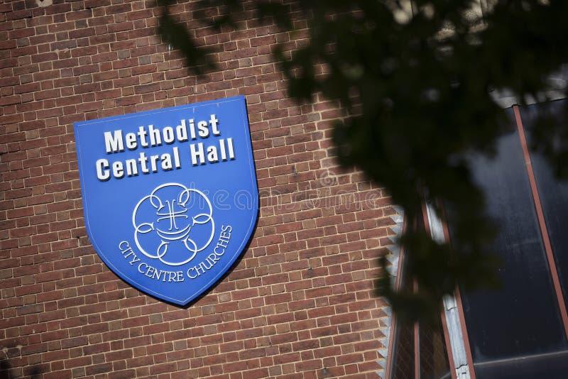 Coventry, Warwickshire, Großbritannien am 27. Juni 2019 ein Zeichen für das Methodistencentral hall lizenzfreie stockfotografie