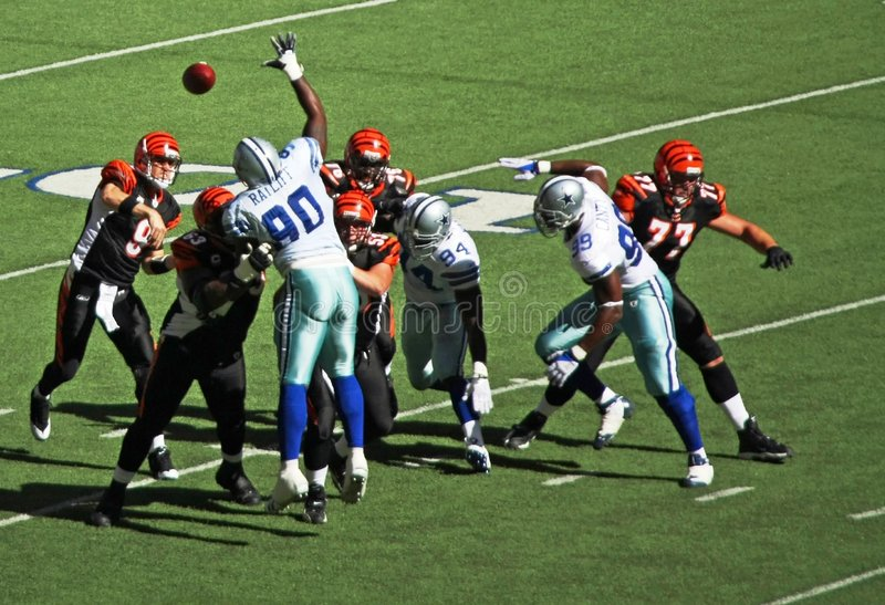 Cowboys Bengals Palmer Throws stock photo