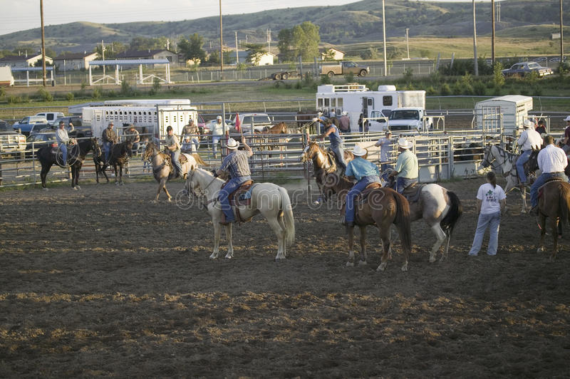 Cowboys no rodeio de PRCA fotografia de stock royalty free