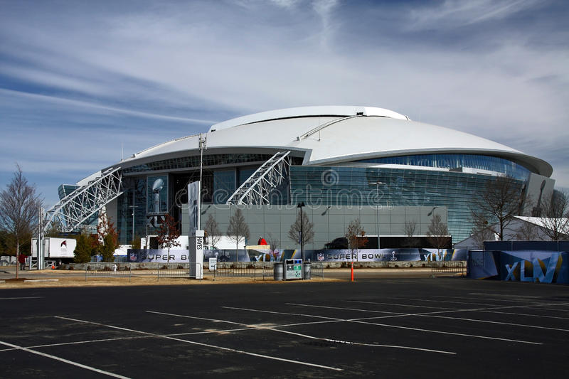 Cowboys Stadium From Parking Lot. ARLINGTON - JAN 26: Preparations are underway at Cowboys Stadium in Arlington, Texas for Super Bowl XLV between the Green Bay stock photography