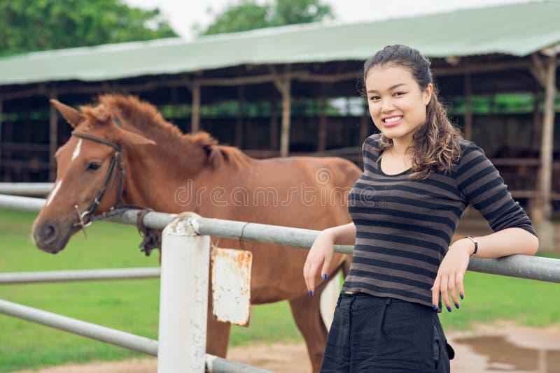 Cowgirl adolescente immagine stock