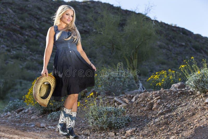 Cowgirl biondo fotografia stock