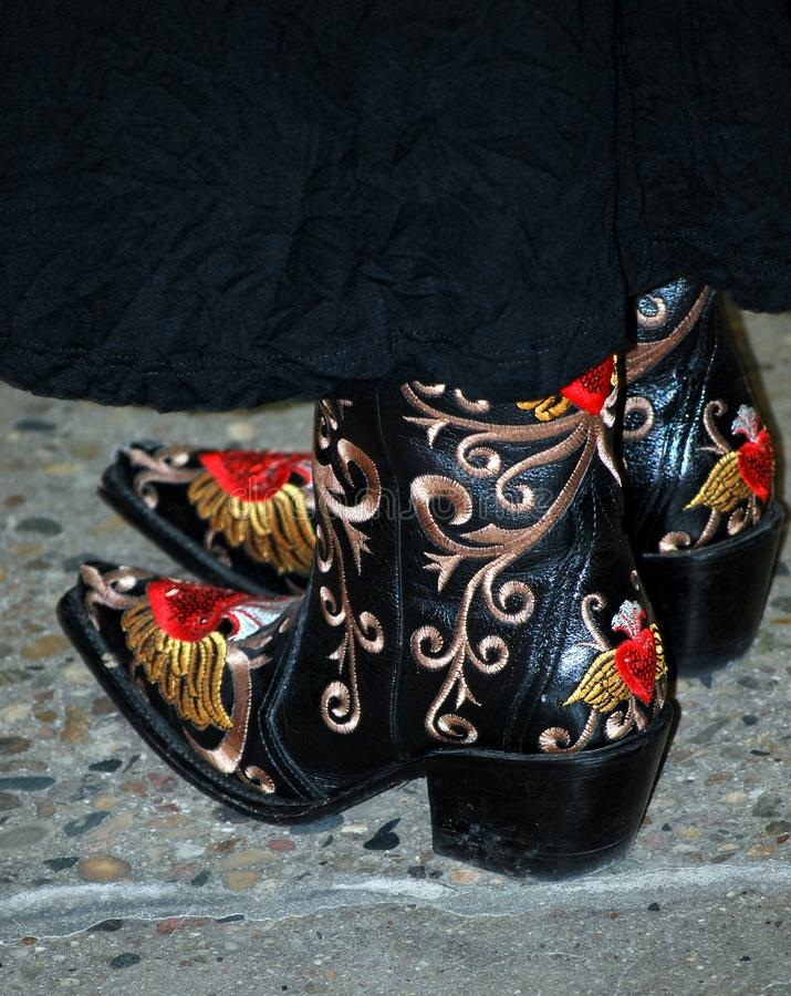 Cowgirl dekorujący buty fotografia royalty free