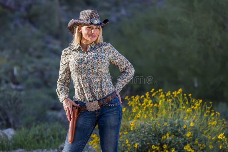 Cowgirl louro 'sexy' foto de stock royalty free