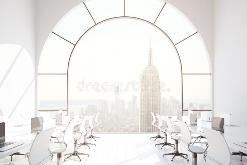 Coworking办公室有NY视图 库存例证
