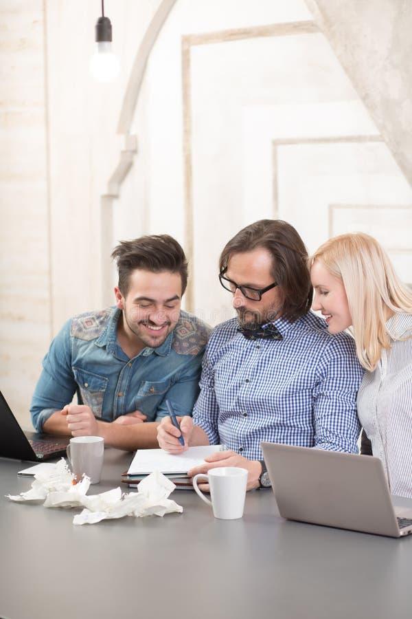 Coworking de businessteam image stock