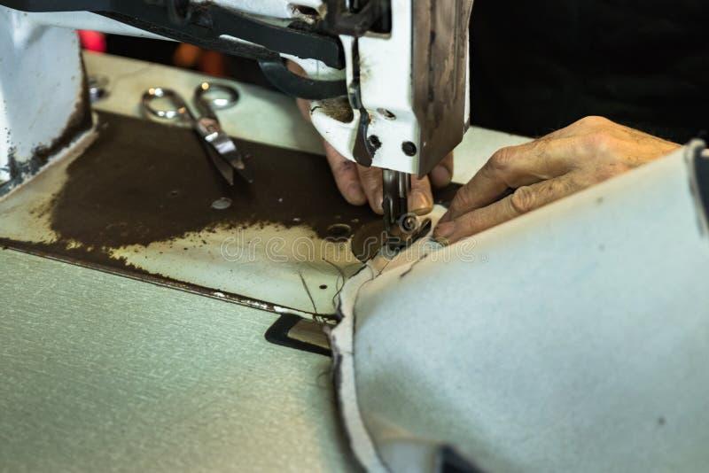 Coxim de estofamento da costura do estofador fotografia de stock royalty free