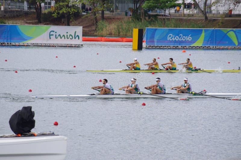 Coxless par konkurrens på OS:er Rio2016 royaltyfri foto