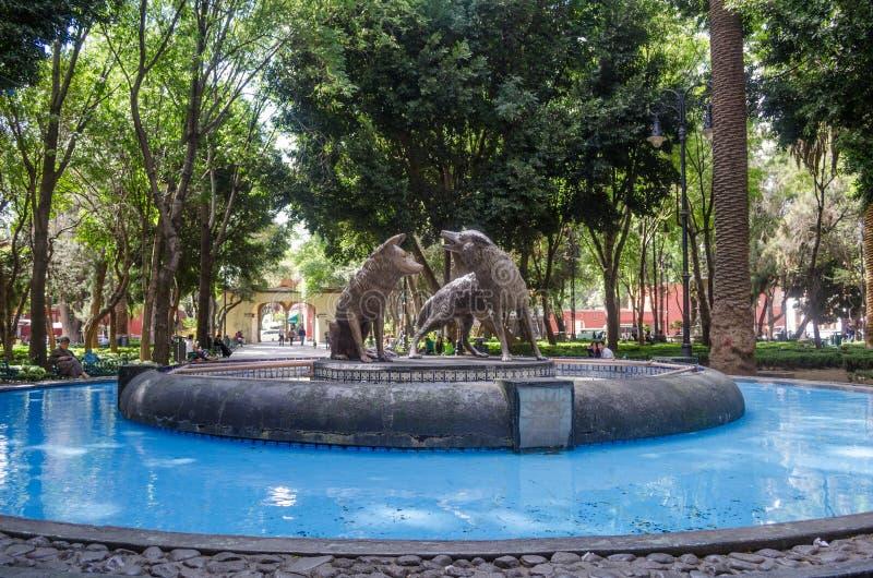 Coyoacan, мексиканський фонтан стоковые изображения