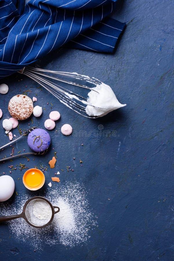 Cozendo ou cozinhando o quadro do fundo Ingredientes para bolos de cozimento imagem de stock
