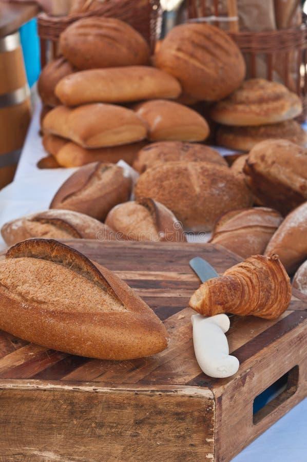 Cozido recentemente, caseiro, variedade de pães imagem de stock royalty free