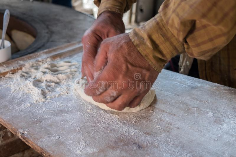 Cozimento georgean do pão da tradição foto de stock