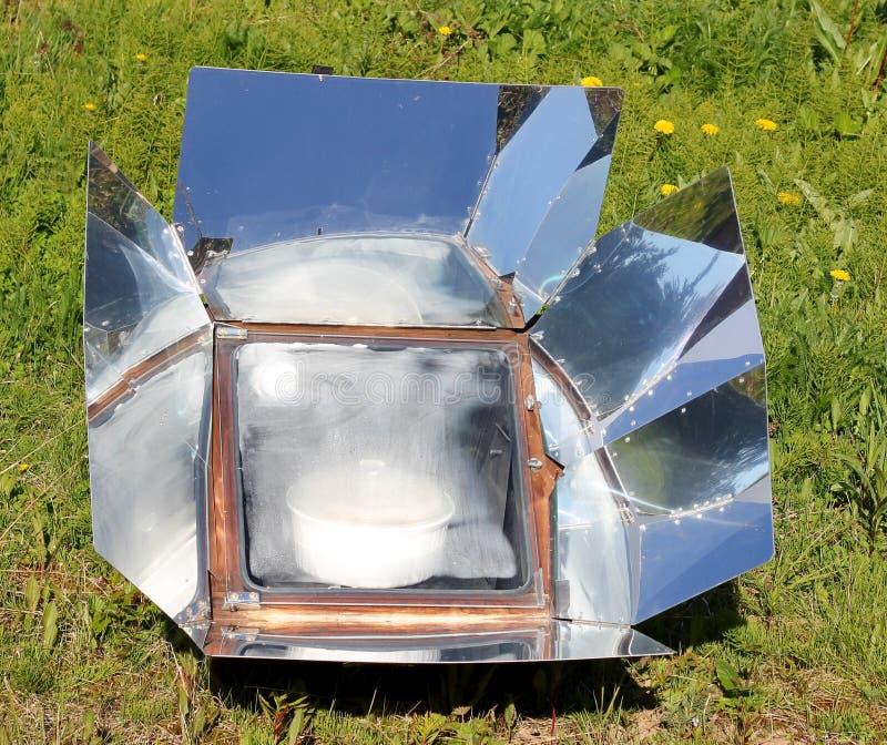 Cozimento solar do verão foto de stock