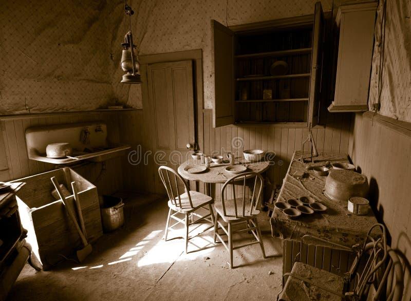 Cozinha antiga fotografia de stock royalty free