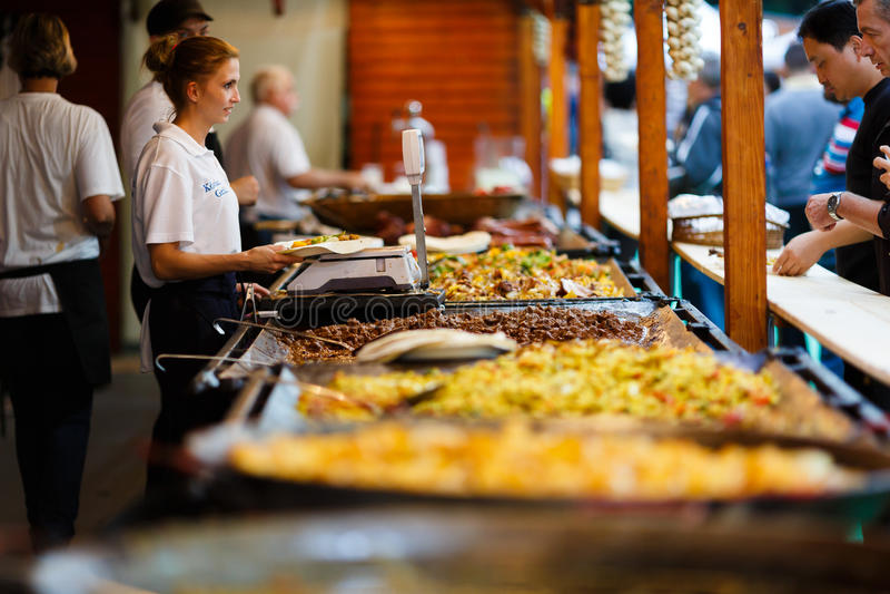 Cozinha ao ar livre fotos de stock