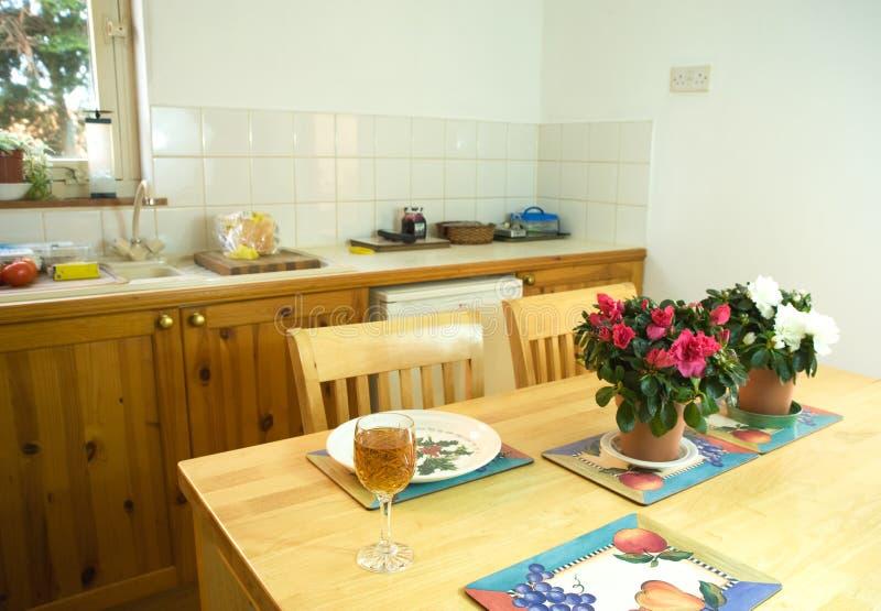 Cozinha-comensal moderno. fotos de stock royalty free