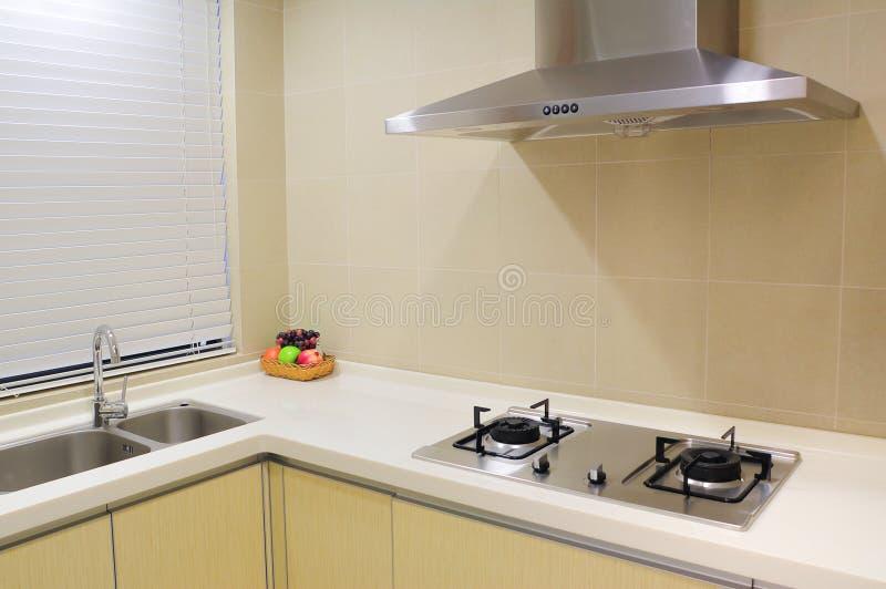 Cozinha de Modernapartment foto de stock royalty free