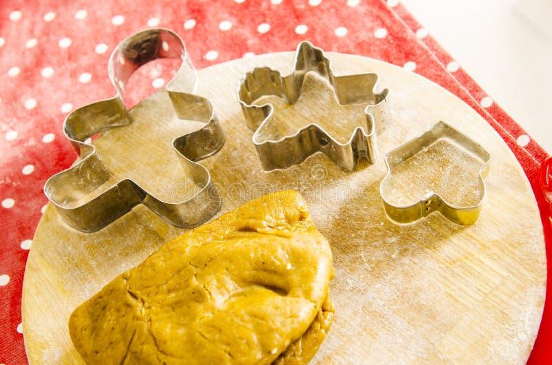 Cozinha do Natal e do ano novo com ferramentas da cozinha imagem de stock royalty free