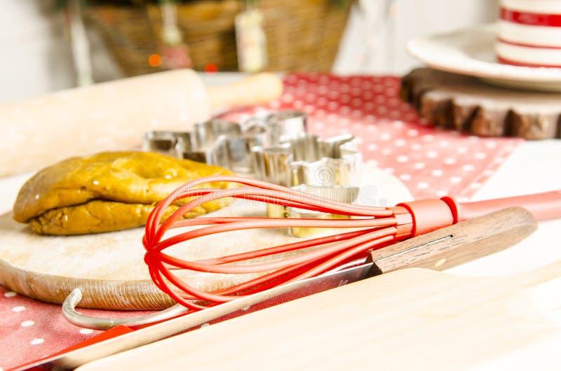 Cozinha do Natal e do ano novo com ferramentas da cozinha imagens de stock