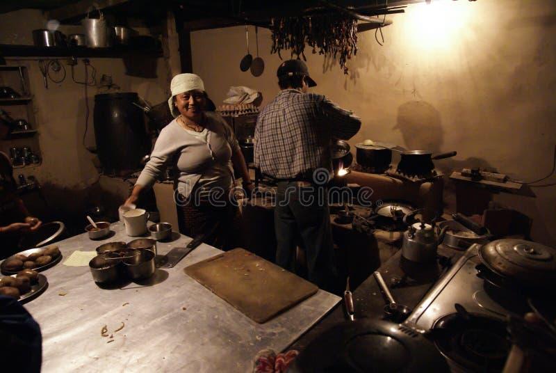Cozinha do restaurante de Nepal imagens de stock royalty free