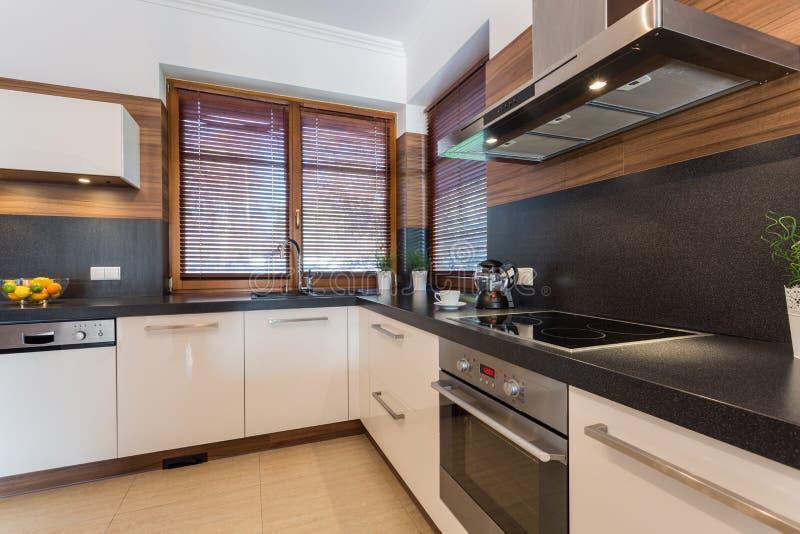 Cozinha espaçoso fotografia de stock