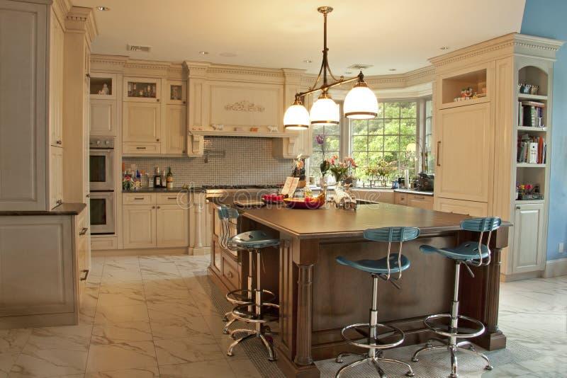 Cozinha home fotografia de stock royalty free