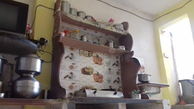 Cozinha indiana em india e na melhor casa foto de stock royalty free