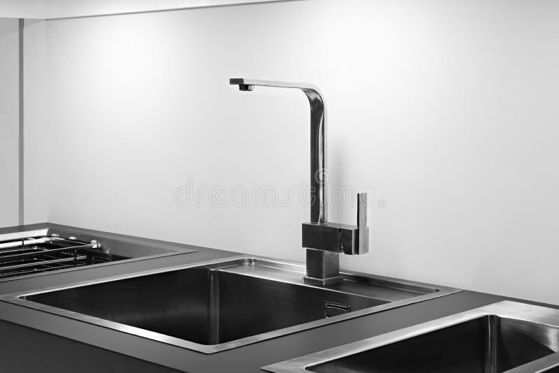 Cozinha interior, cozinha moderna com um misturador luxuoso, conceito do café da manhã, fundo da cozinha, conceito de comer saudá foto de stock