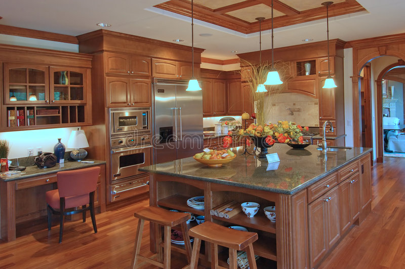 Cozinha luxuosa 2 fotos de stock royalty free